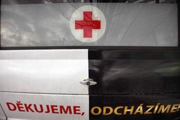 Česká vláda pod tlakom výpovedí lekárom ustúpila. Slovenskí lekári chcú ešte rokovať s premiérkou aj ministrom zdravotníctva.
