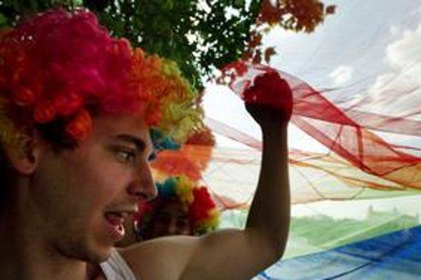 Poľský veľvyslanec hovorí, že nepodporil homosexuálov, ale ich právo zhromaždiť saa slobodne sa vyjadriť.