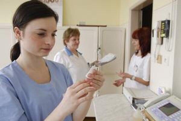 Odborárov zo zdravotníctva sedemhodinový pracovný čas neláka.