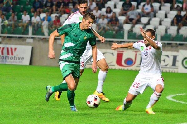 Lukáš Szabó (v zelenom) si robí dobré meno v drese Györu.