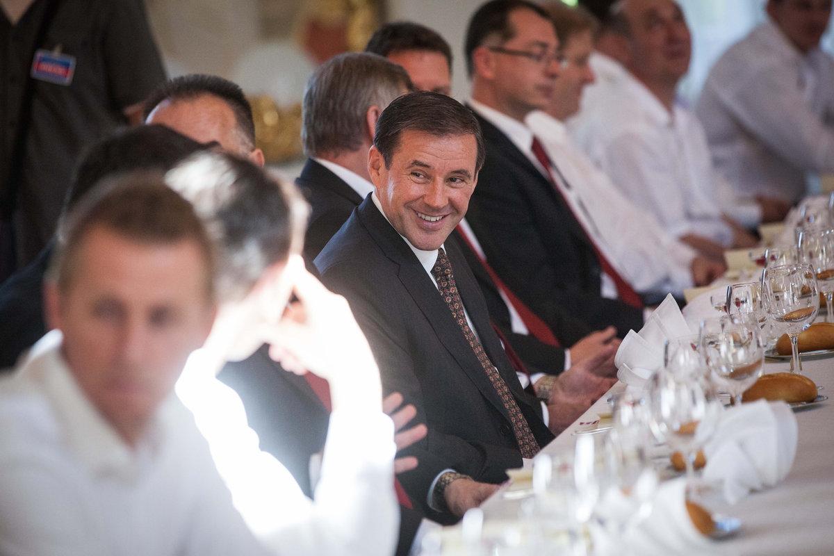 Váhostav dostal pokutu za schránkové firmy, majiteľom je Široký - ekonomika.sme.sk