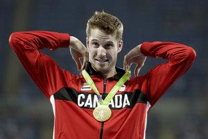 Derek Drouin je aktuálnym zlatým medailistom z Ria.
