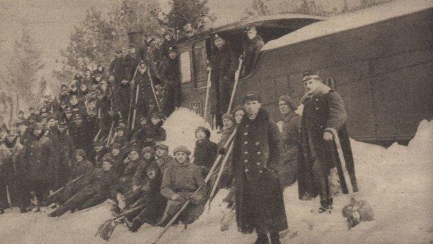 Odpratávanie snehu pri Haniske.