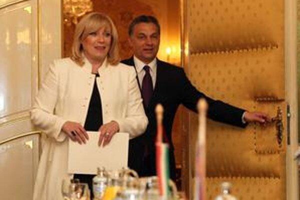 Premiérka Iveta Radičová sa nedávno stretla s maďarským kolegom Viktorom Orbánom.