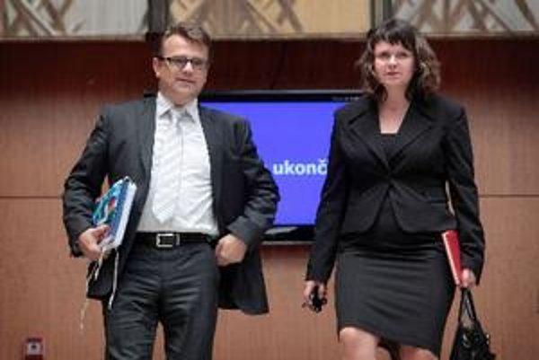 Minister Ivan Uhliarik odvolal šéfa nemocnice, ktorá podozrivo predala časť pozemkov.