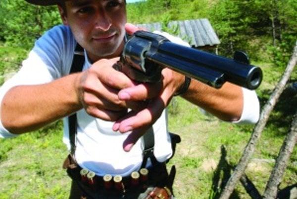 Slovenskí westernoví strelci patria k najlepším v Európe. Mladí sú však  medzi nimi výnimkou, čo vyvracia napríklad Miloš Urgošík. K westernovým strelcom ho priviedol otec
