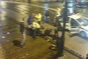 Zábery z kamery. Zachytili incident na Hlavnej.