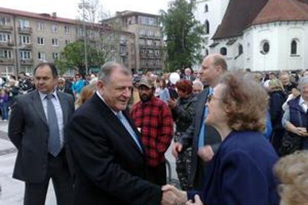 Hnutie Vladimíra Mečiara je z parlamentných strán podľa analytikov najohrozenejšie.