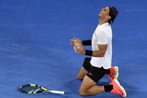 Rafael Nadal sa teší z postupu do finále.