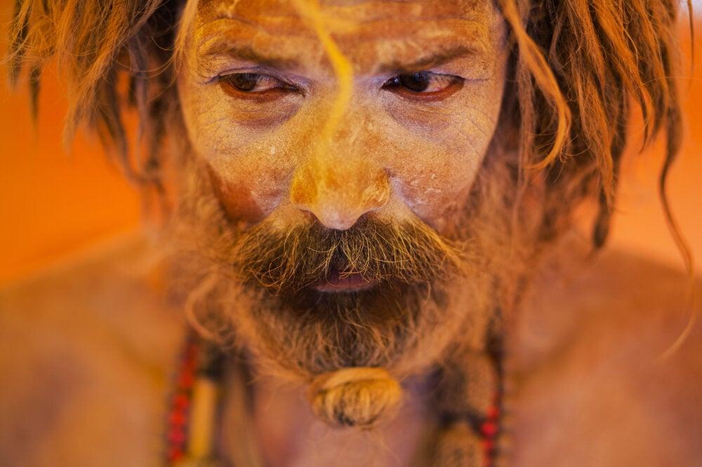 K tradičnému hinduistickému sviatku patria pomaľované telá.