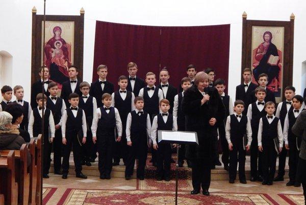 Konzulka Janka Burianová odchádza. Pri svojej rozlúčke pripravila pre Sobrančanov darček vpodobe koncertu zboru zMukačeva.