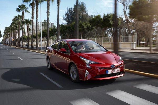Hybridná Toyota Prius.