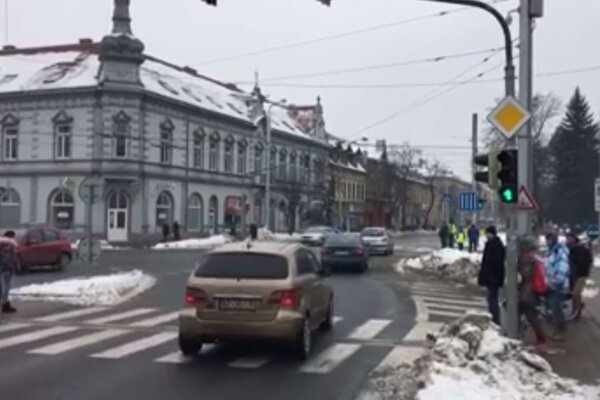 Autá už nemusia úsek obchádzať cez Fejovu ulicu.