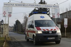 Prešovská nemocnica. Roky využíva služby súkromnej SBS.