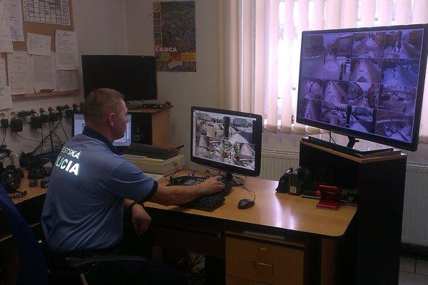 Kamerový systém pomáha odhaľovať aj výtržníkov.