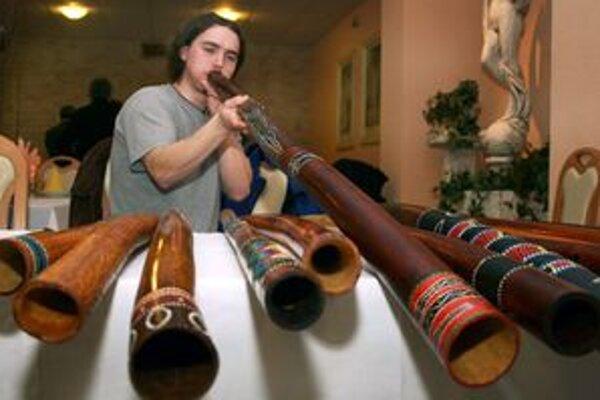 V Nitrianskom Pravne nechýbali ani výrobcovia drevených hudobných nástrojov.
