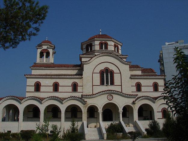 K najvýznamnejším pamiatkam v meste Durres patrí aj zámok na kopci.
