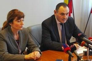 Andrea Turčanová a Peter Chudík na spoločnej tlačovke.