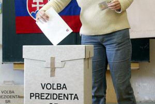 Mnohí voliči si vybavili hlasovací preukaz.