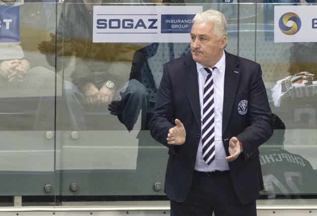 Tréner Slovana Miloš Říha počas posledného zápasu sezóny proti Medveščaku Záhreb.
