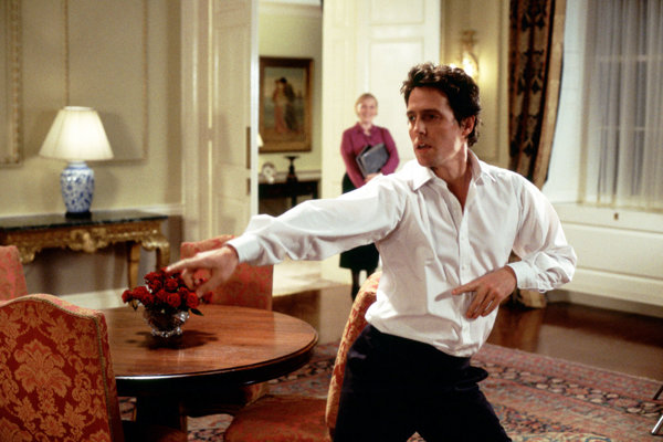 Hugh Grant vo filme Láska nebeská.