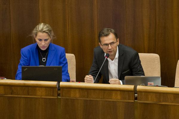 Poslanci za SaS Jana Kiššová a Ľubomír Galko.