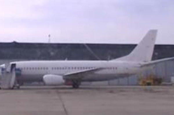 Lietadlo zaparkované na bratislavskom letisku, ktoré podľa JOJ môže používať CIA.