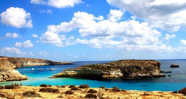 Pobrežie ostrova Lampedusa.