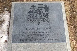 Po zmene. Vojak pochovaný na kalvárii má konečne svoje meno.