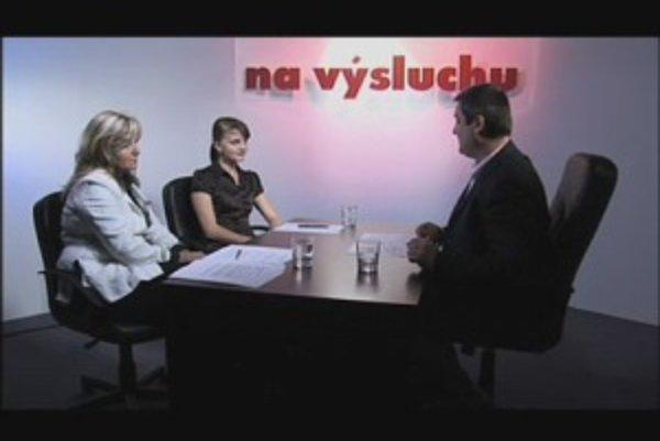 Jana Tutková a Oľga Pietruchová v diskusii s Karolom Sudorom.