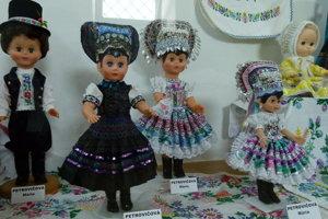 Tradície čilejkárskych dedín sú koníčkom Moniky Miškovičovej Savovej.