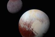 Trpaslíčia planéta Pluto dostala meno po rímskom bohu podsvetia. Mesiac Charón (vľavo hore) pomenovali po prievozníkovi mrtvých do podsvetia po rieke Styx