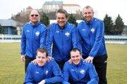 Realizačný tím FC Nitra - stoja zľava asistent trénera Ján Bíreš, hlavný tréner Ivan Galád, tréner brankárov Miroslav König, dolu zľava masér Róbert Gyepes a fyzioterapeut Štefan Balla.