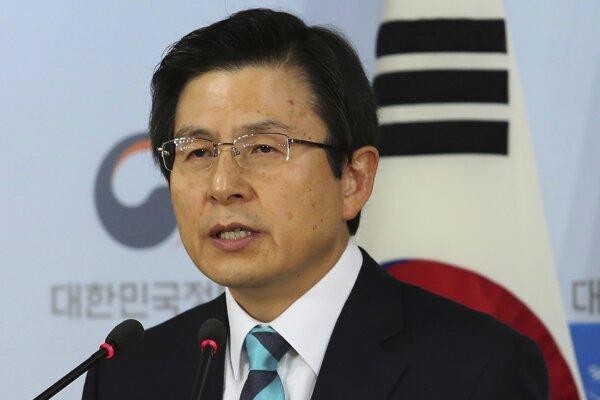 Opozícia žiada odvolanie premiéra Hwanga.