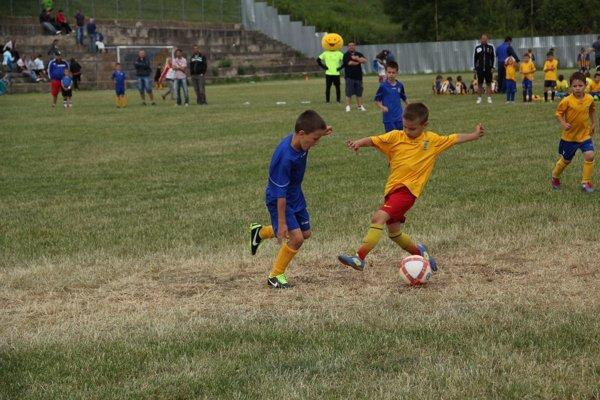 Nejasná budúcnosť. Mládežnícky futbal vKošiciach dostal peniaze na fungovanie do konca marca.