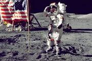 Eugene Cernan bol posledný muž, ktorý chodil po Mesiaci, december 1972.