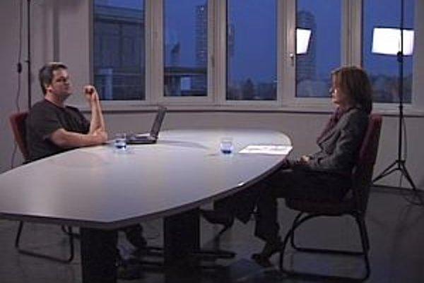 Europoslankyňa za stranu SMER Monika Beňová - Flašíková v diskusii s Karolom Sudorom.