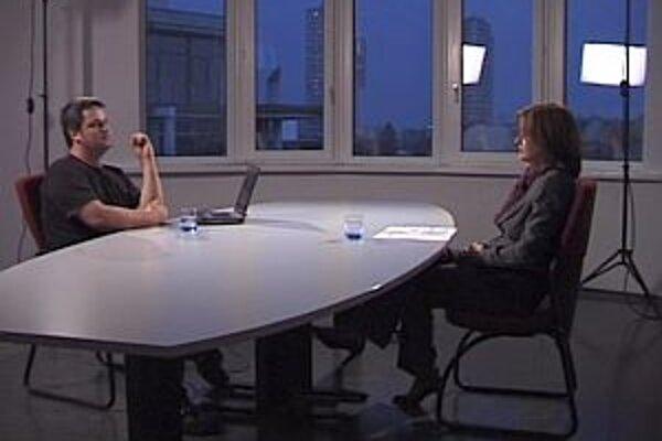 Monika Beňová v diskusnej relácii Karola Sudora Na výsluchu hovorila o registrovaných partnerstvách a o adopcii detí homosexuálnymi pármi.