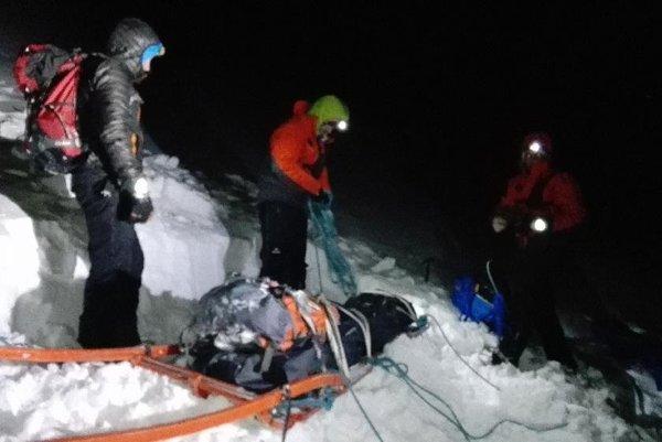Záchranári už zvážali z Malej Studenej len telo mladého Poliaka.