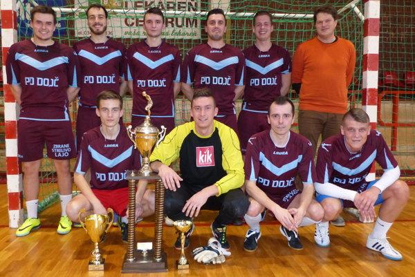 Víťaz 1. senickej futsalovej ligy 2016/17 PD Dojč.