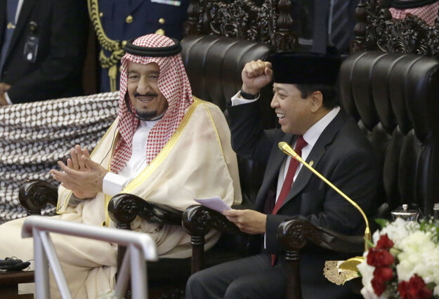 Saudský kráľ v indonézskom parlamente.