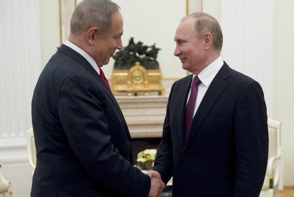 Putin hostil v Kremeľskom paláci Netanjahua.