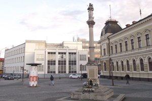 Mariánsky stĺp na Svätoplukovom námestí.