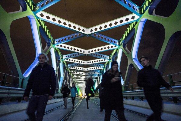 Starý most počas Biele noci.