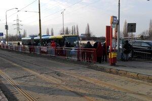 Košičania si musia zvyknúť aj na dočasné zmeny v mestskej doprave.