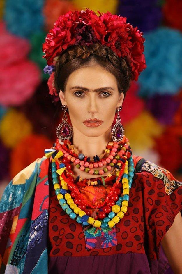 Frida Maľovať a milovať. Životný príbeh legendárnej mexickej maliarky Fridy Kahlo je plný vášne, lásky, humoru, podmanivej hudby, hýrivých kostýmov a tanca. V hlavných úlohách sa 2. apríla v Historickej radnici predstaví Katarína Ivanková, Tomáš Palonder a Marcel Ochránek.