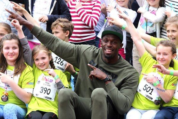 Bolt sa fotil s účastníkmi súťaže. Kto príde do Košíc?