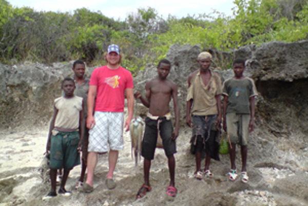 Kristián prežil v Afrike päť mesiacov.