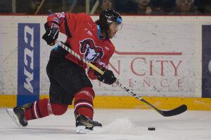 Na snímke Mathew Maione (Banská Bystrica) v zápase 46. kola hokejovej Tipsport ligy medzi HC'05 iClinic Banská Bystrica - HK Nitra.