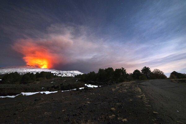 Etna.